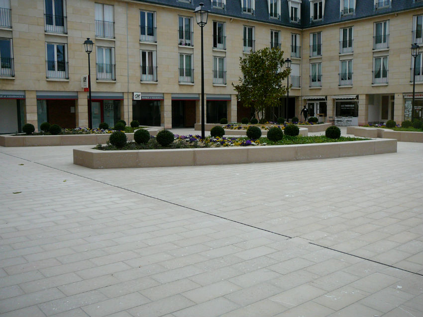 Place en pierre de Comblanchien