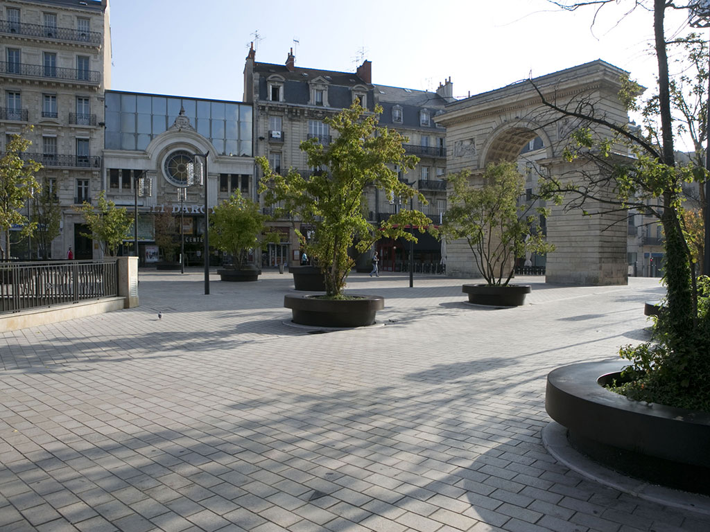 Pavage de la Place Darcy a Dijon pavés SETP