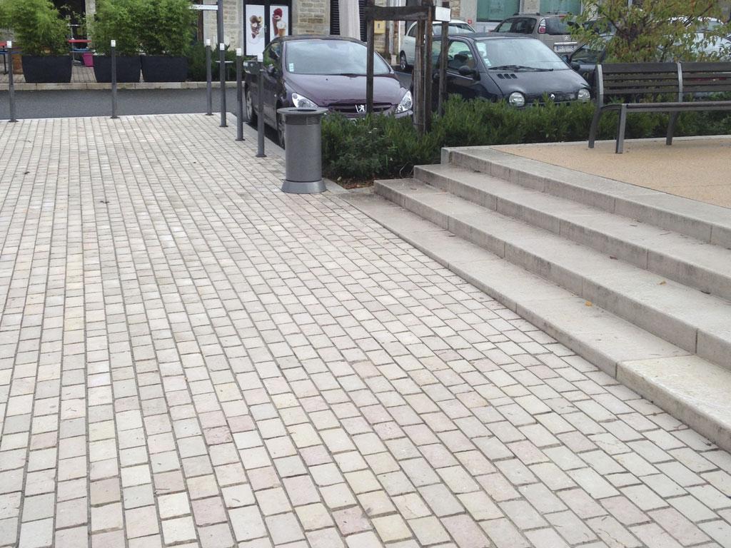 Pierre calcaire de Comblanchien, pavés et escalier