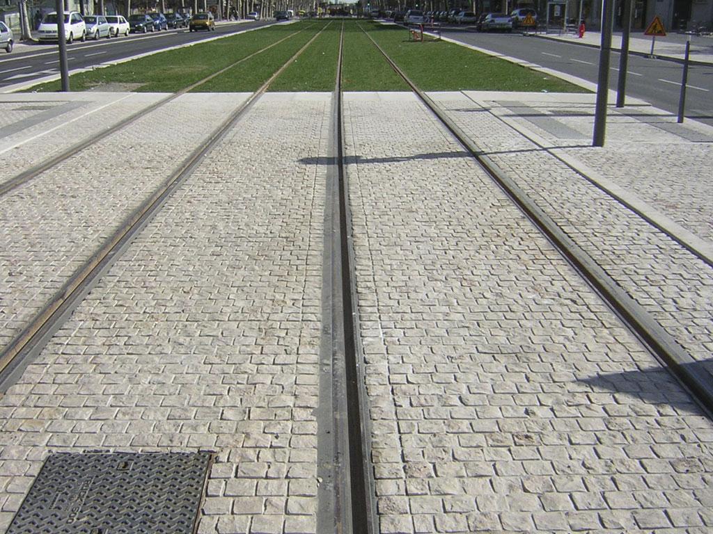 aménagement urbain rails du tramway
